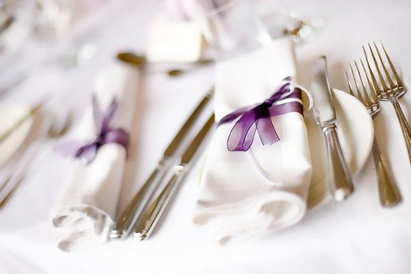 salfetki-na-svadebnom-torzhestva Салфетки в сервировке стола, необычный декор или простой предмет необходимости
