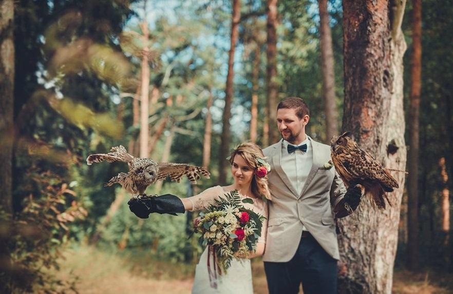 sovinaya-fotosessiya-zheniha-i-nevesty Удивительная свадебная фотосессия с живыми совами
