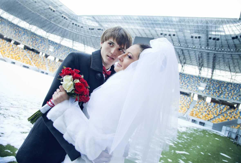 svadebnaya-semka-na-stadione Свадебная фотосессия в футбольных мотивах