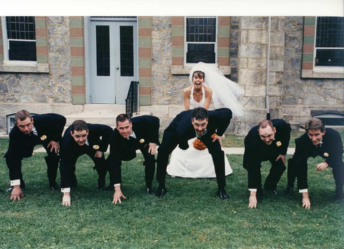 svadebnye-foto-amerikanskij-futbol Свадебная фотосессия в футбольных мотивах