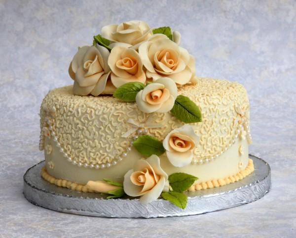svadebnyj-tort-chastnyj-master Стоит ли заказывать торт у частных кондитеров и кулинаров?