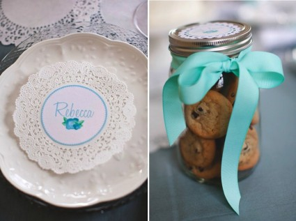 tablichki-dlya-rassazhki-gostej Ажурные салфетки для создания декора и украшений для свадьбы
