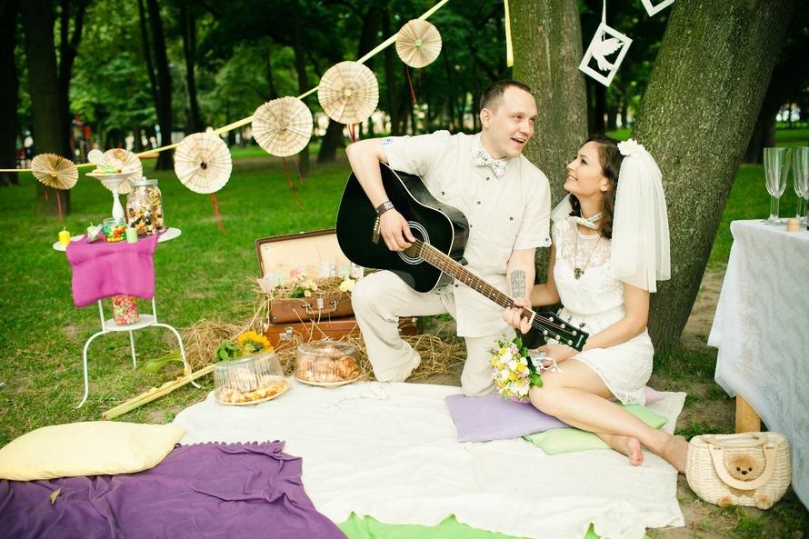 tematicheskaya-fotosessiya-v-forme-piknika Свадебная фотосессия в форме пикника, сочетаем приятно с полезным