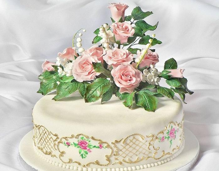 tort-na-svadbu-ruchnoj-raboty Стоит ли заказывать торт у частных кондитеров и кулинаров?