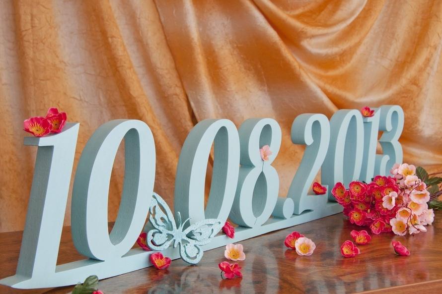 tsifry-dlya-oforsleniya-svadby Большие буквы в свадебном декоре для оформления свадебного торжества и фотосессии