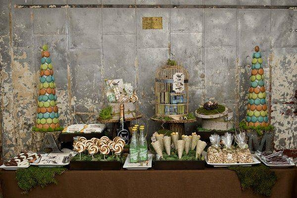 vintazhnyj-desertnyj-stol-na-svadbu Сладкий десертный стол для свадьбы, какой выбрать?