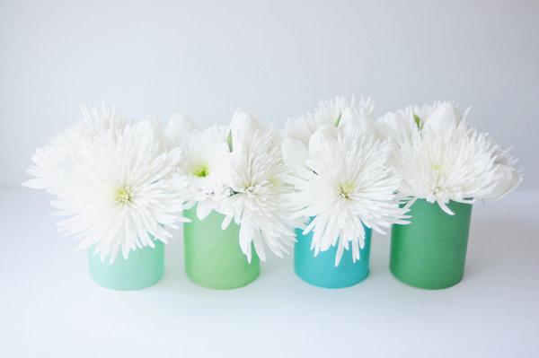 dekor-vaz-na-svadbu-tsvetnoj-bumagoj ТОП-10 бюджетных вариантов декора ваз на свадьбу