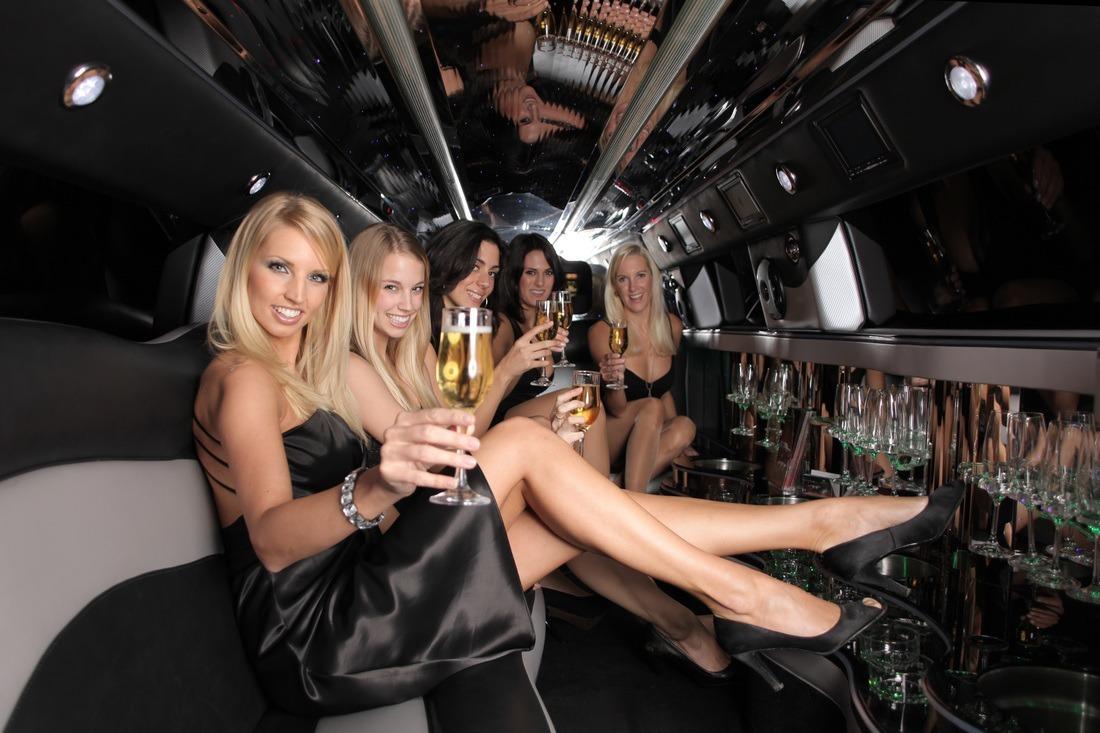 Фото в чулках на вечеринке, Порно фото на вечеринках все перетрахались 8 фотография