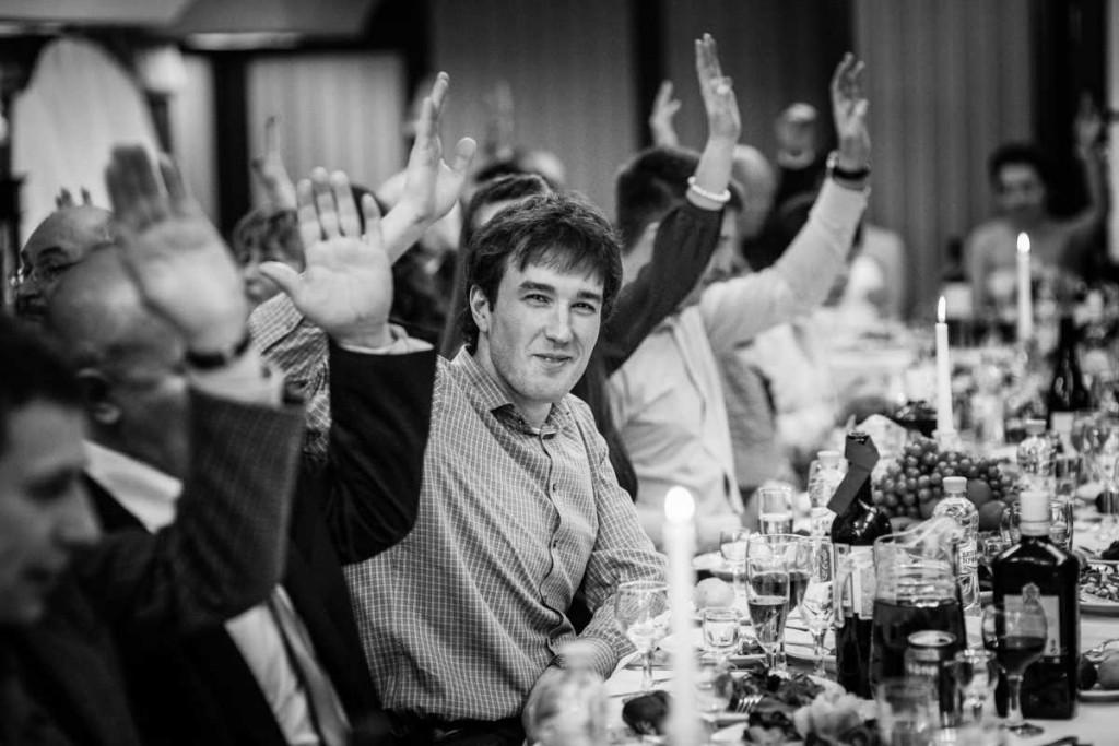 kak-pravilno-posadit-gostej-na-svadbe-1024x683 Какие мелочи пригодятся для развлечения гостей на свадьбе