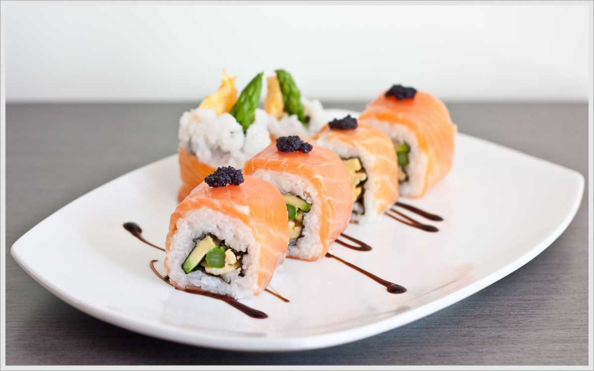 sushi-na-svadebnom-torzhestve Суши на свадебном столе и в меню.