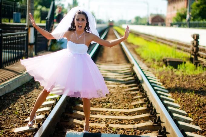 Какие цвета платья одевать на свадьбу