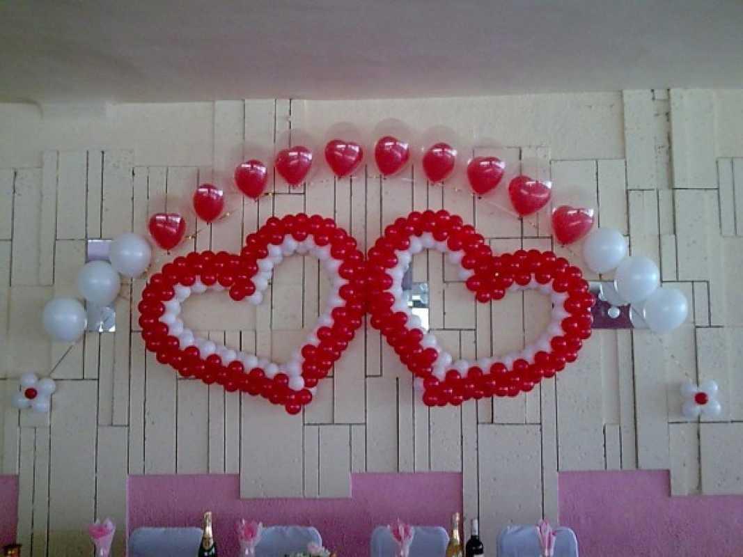 Арка из шаров на свадьбу бюджетный и довольно оригинальный вариант оформления торжества