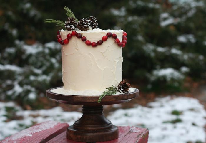 Декор зимнего свадебного торта своими руками