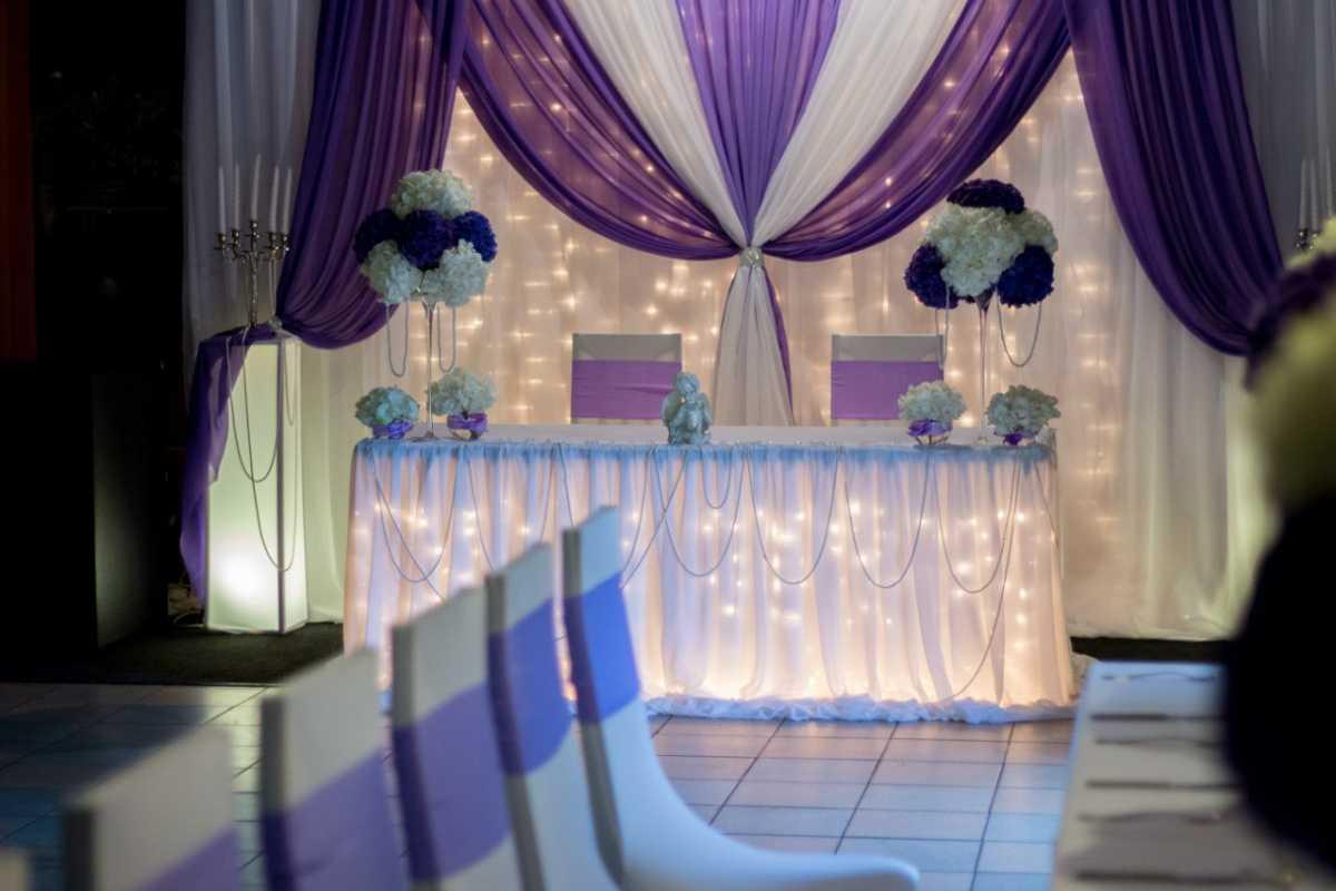1-Nedorogoe-oformlenie-svadebnogo-zala Как украсить зал на свадьбу: недорогое оформление свадебного зала