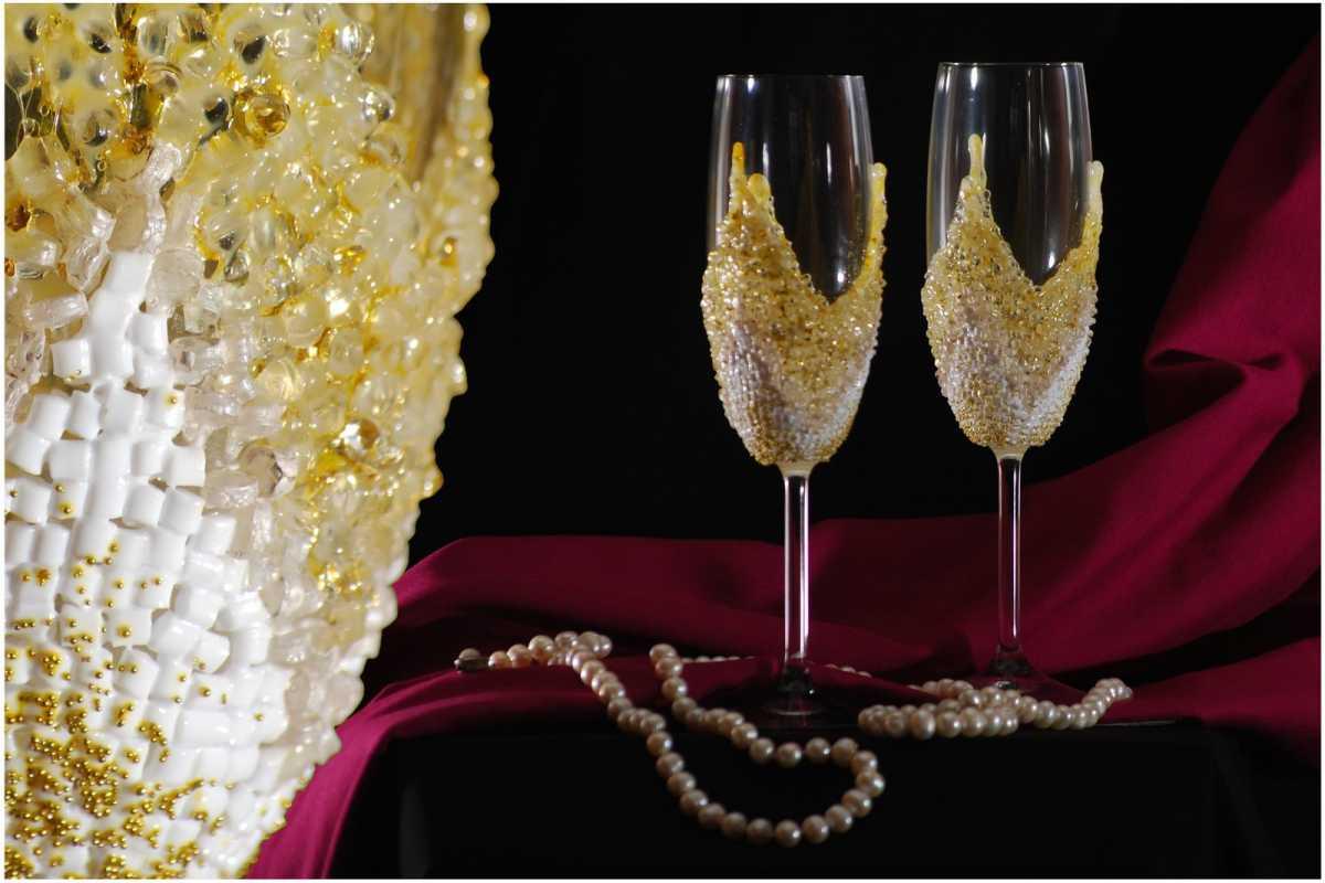 1-Ukrashenie-bokalov-na-svadbu-svoimi-rukami Украшение бокалов на свадьбу своими руками