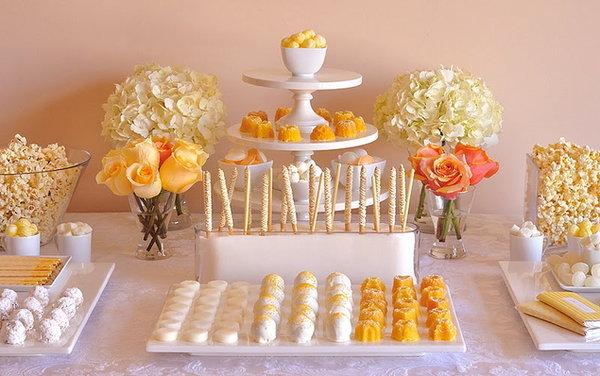 1-kendi-bar-v-belo-limonnom-tsvete Кэнди бар на свадьбу- более 100 идей и решений