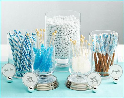 1-snezhnyj-kendi-bar-na-svadbu Идея для зимней свадьбы: Снежный Кэнди Бар  какие сладости лучше использовать.