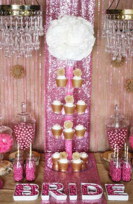 Удивительный рустиковый свадебный Кэнди Бар в золотом и розовом цвете для яркой и необычной свадьбы