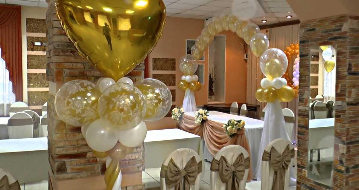 Arka-iz-sharov-na-svadbu-4 Арка из шаров на свадьбу бюджетный и довольно оригинальный вариант оформления торжества
