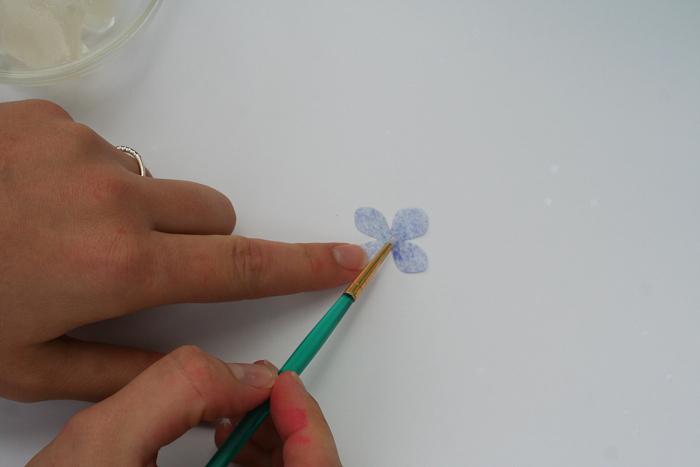 Dekor-torta-v-akvarelnom-stile-svoimi-rukami-8 Мастер-класс: Декор торта в акварельном стиле своими руками