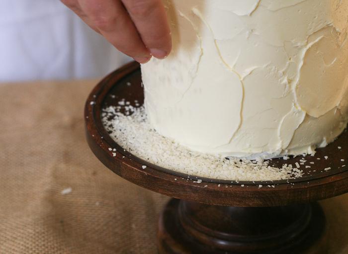 Dekor-zimnego-svadebnogo-torta-svoimi-rukami-10 Декор зимнего свадебного торта своими руками
