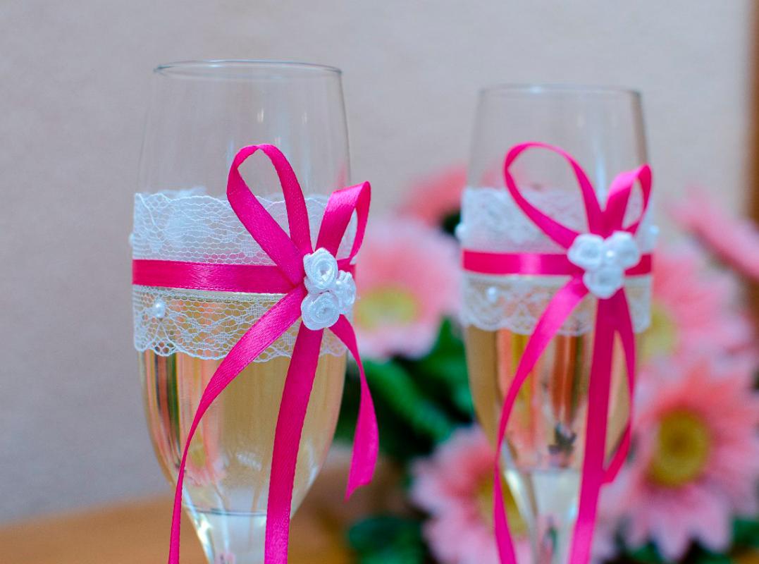 Украшение свадебных бокалов своими руками Свадебный 4