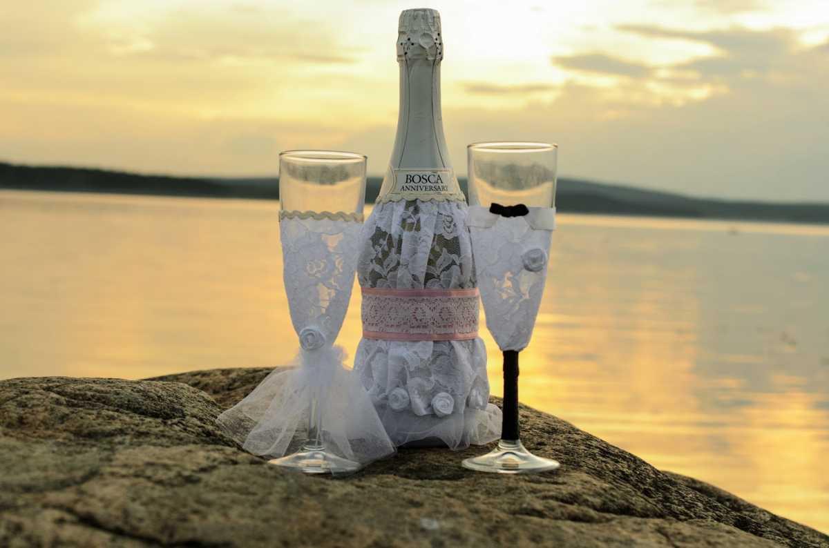 Oformlenie-svadebnyh-bokalov-i-butylok-6 Оформление свадебных бокалов и бутылок