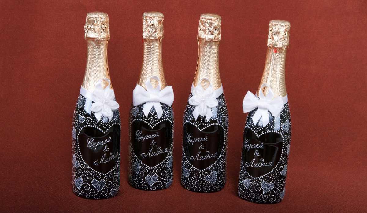 Oformlenie-svadebnyh-bokalov-i-butylok-9 Оформление свадебных бокалов и бутылок