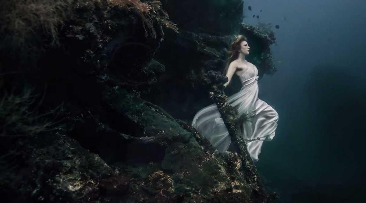 Podvodnaya-svadebnaya-fotosessiya-2 Подводная свадебная фотосессия