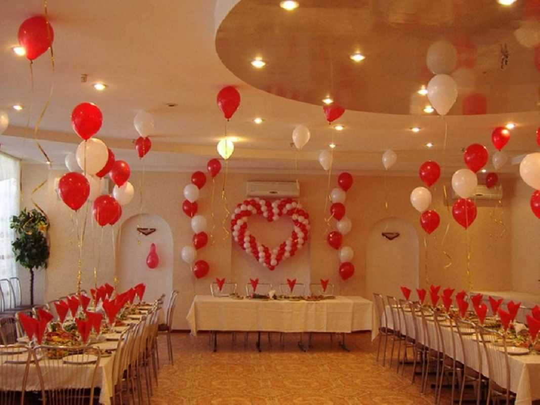 Svadebnye-zaly-oformlenie-sharami-foto-idei-7 Свадебные залы оформление шарами фото идеи