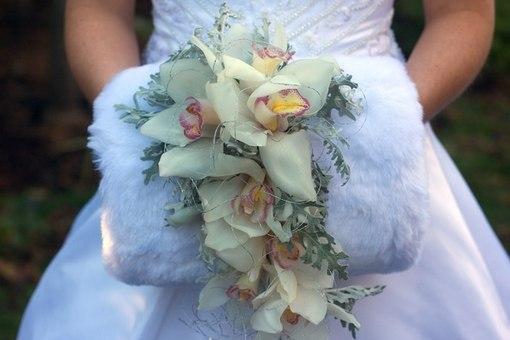 buket-mufta Оригинальные и экстравагантные виды свадебных букетов