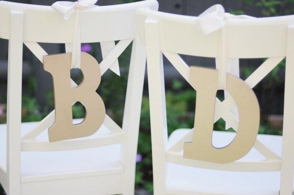 Три варианта декора стульев на свадьбу