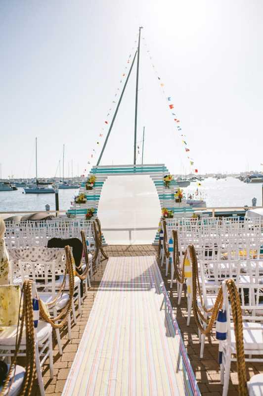 poloski-v-dekore-svadebnogo-torzhestva-62 Яркая полоска в декоре свадьбы, поможет разнообразить любое свадебное торжество
