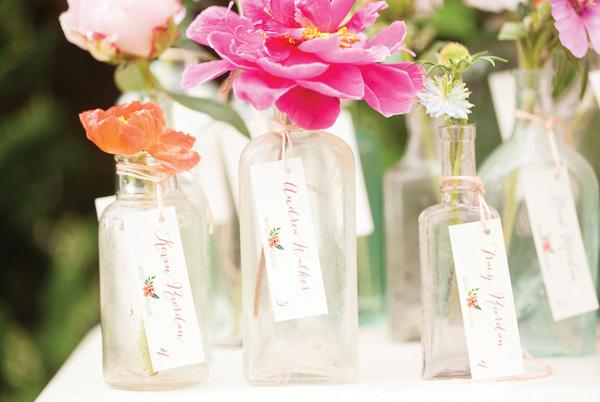 tsvetochnyj-print-v-dekore-svadby-2 Удивительные и яркие цветочные мотивы для летней свадьбы, как правильно использовать такой принт