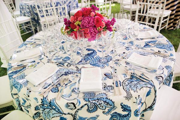 tsvetochnyj-print-v-dekore-svadby-6 Удивительные и яркие цветочные мотивы для летней свадьбы, как правильно использовать такой принт
