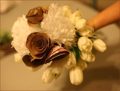 1-bumazhnye-rozy-dlya-dekora-svadby Делаем своими руками декоративные винтажные розочки из бумажных пакетов
