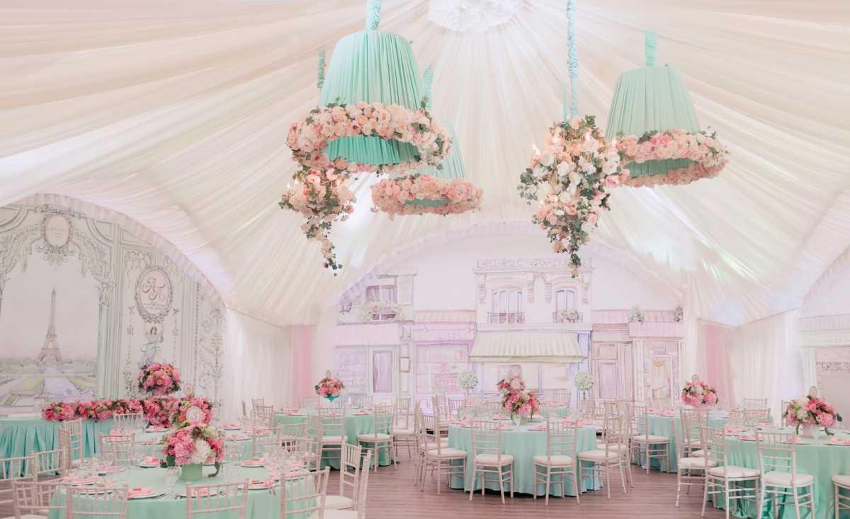 Оформление свадебных шатров при выездной церемонии регистрации брака