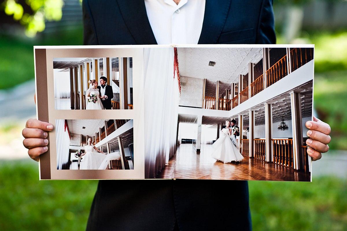 1-oformlenie-svadebnoj-fotoknigi Оформление свадебной фотокниги: выбирать самим или довериться фотографу