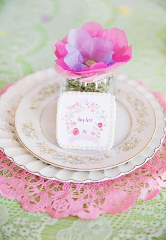 1-svadba-pastelnye-babochki Пастельные оттенки на свадьбе летом, какую тематику торжества выбрать?