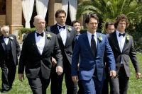 Свадьба в синем цвете, какие наряды подобрать жениху и невесте для этого торжественного дня
