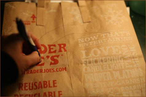 bumazhnye-rozy-dlya-dekora-svadby-3 Делаем своими руками декоративные винтажные розочки из бумажных пакетов