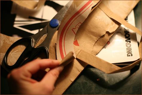 bumazhnye-rozy-dlya-dekora-svadby-9 Делаем своими руками декоративные винтажные розочки из бумажных пакетов