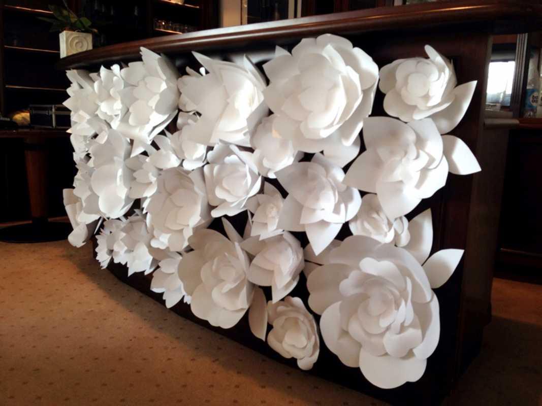 Украшение свадьбы бумажными цветами - простой способ сделать не ...