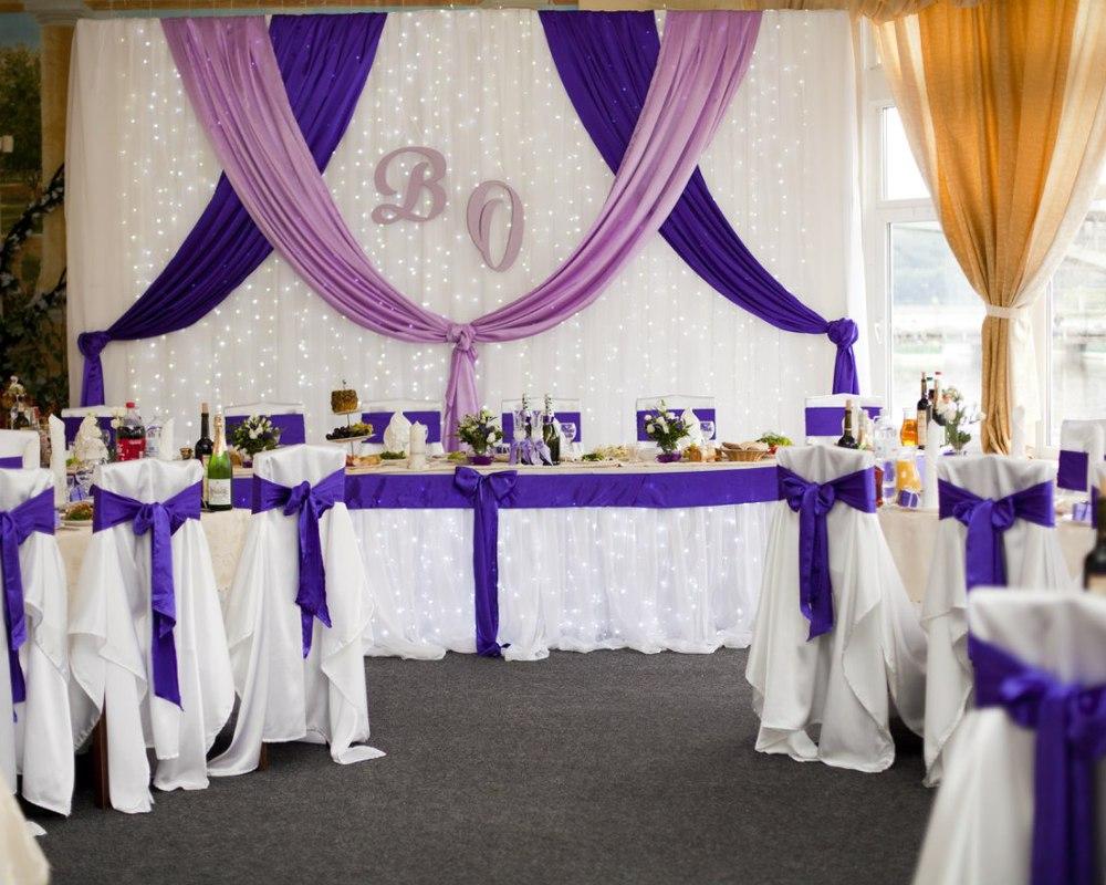 dekor-fona-molodozhenov-2 Свадебный декор: оформление фона за столом молодоженов