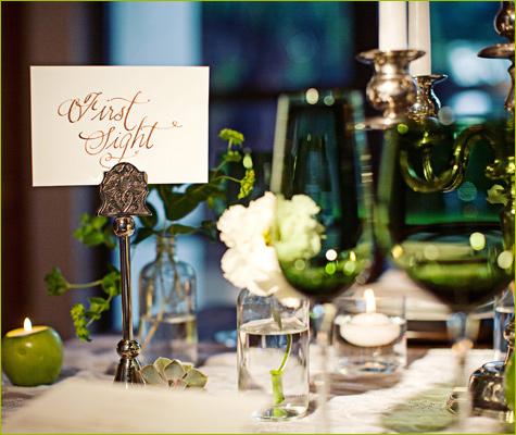 """dekor-svadebnogo-stola-sumerki-3 Сервировка свадебного банкетного стола в стиле романтического фильма """"Сумерки"""""""