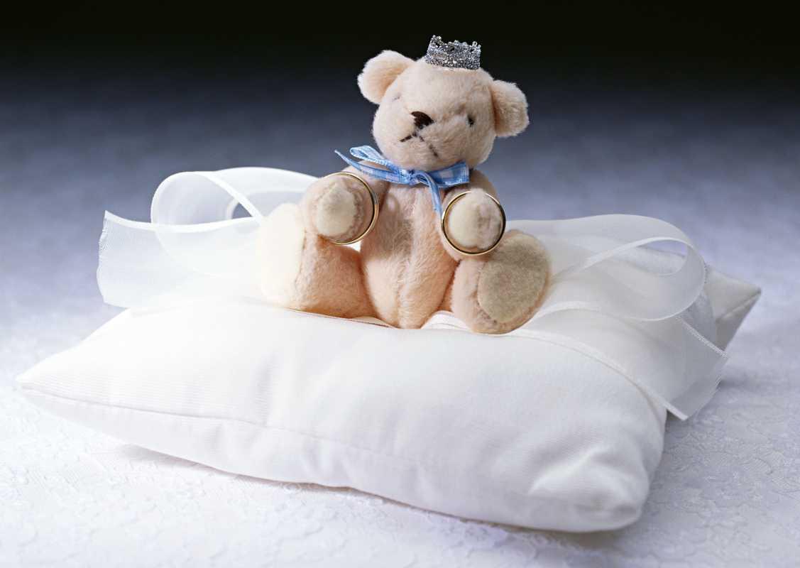dekor-svadebnyh-podarkov-8 Советы гостям: оформление свадебных подарков, как необычно запаковать обычные вещи