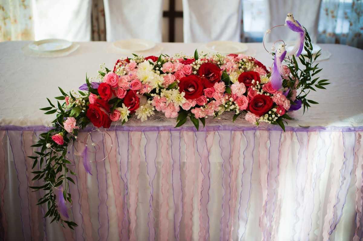 Живые цветы на свадебный стол своими руками