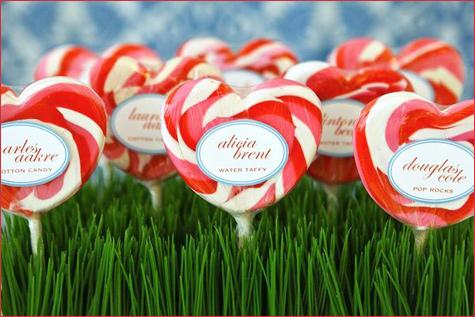 konfetnyj-yarkij-Kendi-Bar-2 Потрясающий конфетный Кэнди Бар на свадьбе, расскрываем секреты его яркого оформления