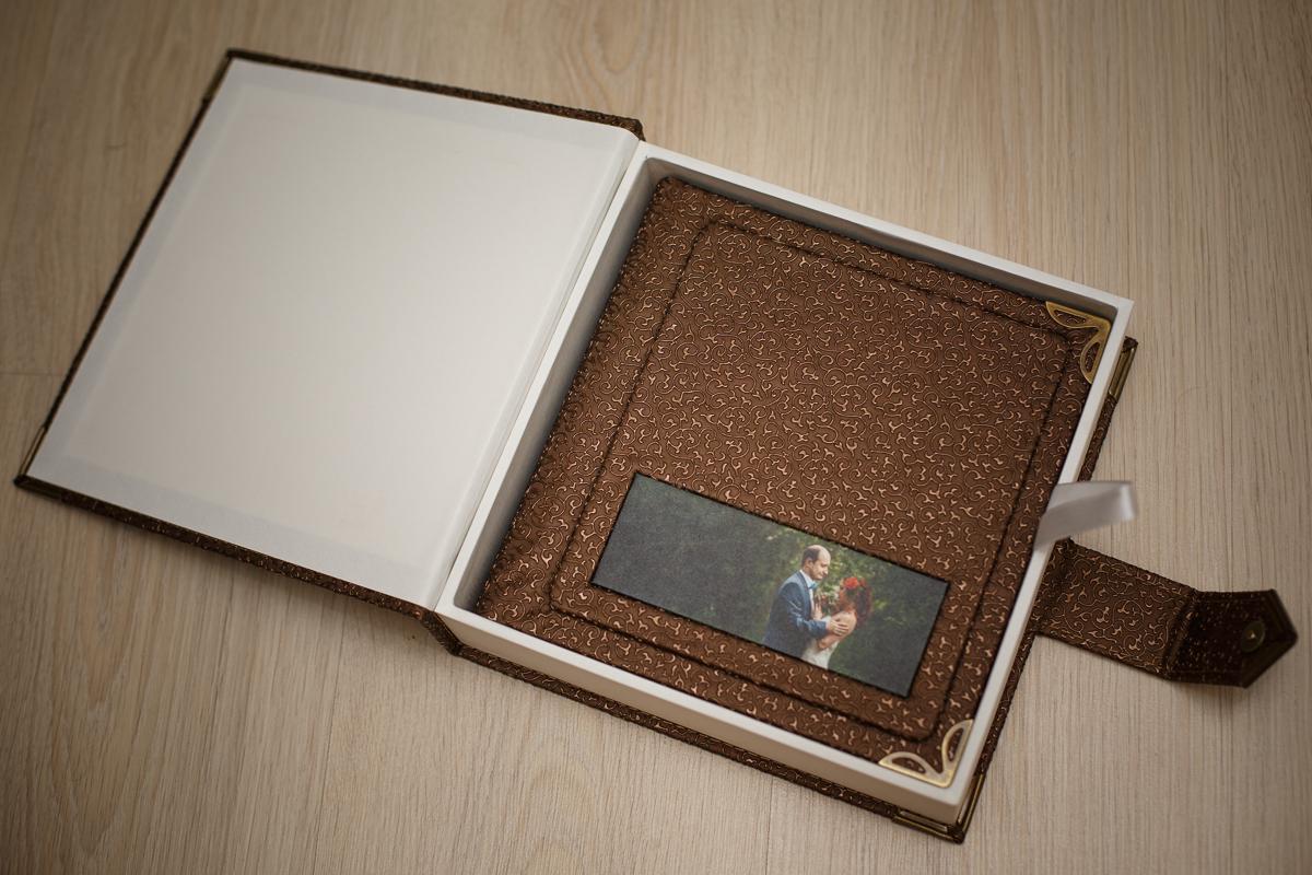 oformlenie-svadebnoj-fotoknigi-4 Оформление свадебной фотокниги: выбирать самим или довериться фотографу