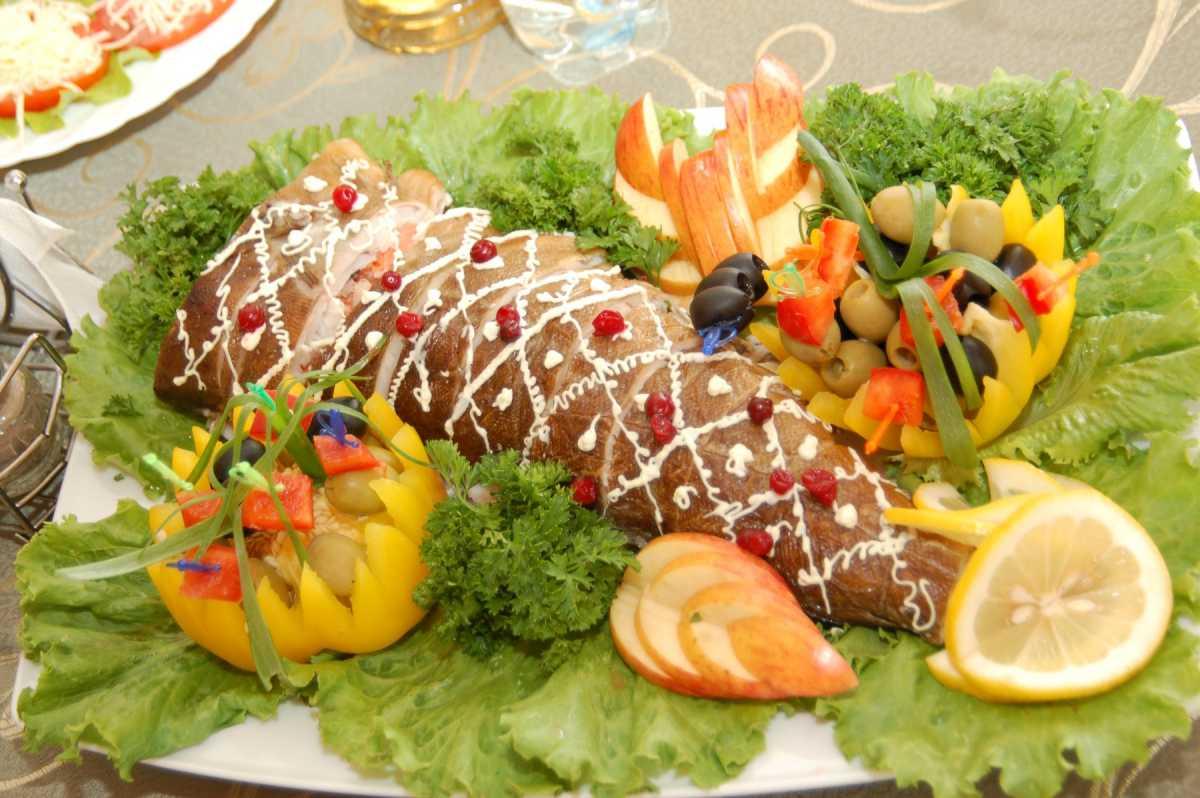 oformlenie-svadebnyh-blyud-8 Оформление свадебных блюд, как удивить гостей оригинальной подачей традиционных угощений